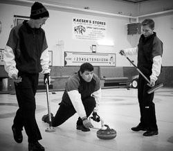 _O3Q7071_2018-Arctic-Winter-Games_Web-Gallery-JPEG-80-Full-Size-(sRGB).jpg
